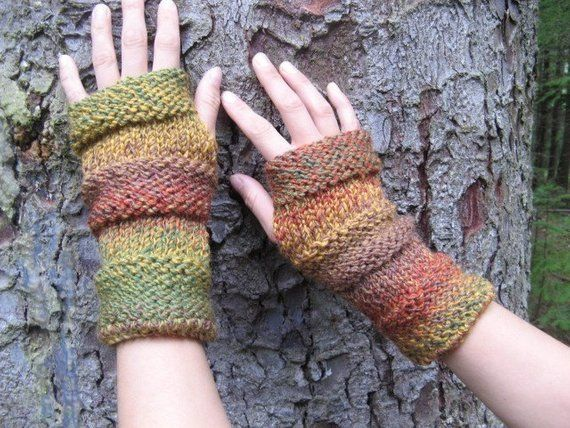 Comfy mittens in the shades of autumn | Etsy